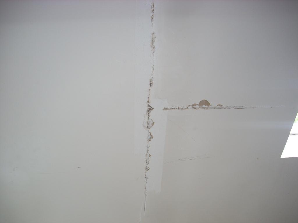 Renovation plafonds champigny sur marne - Reboucher fissure plafond ...